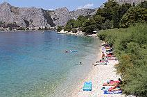 Accommodation for families on Omiš Riviera.