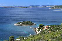 Robinson Crusoe style accommodation in North Dalmatia