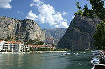 Rooms on the Omiš Riviera